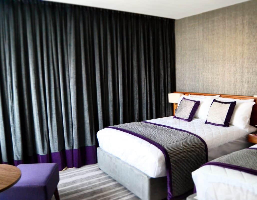 my how curtains bedroom detail hotel make feel do i room like img a blog